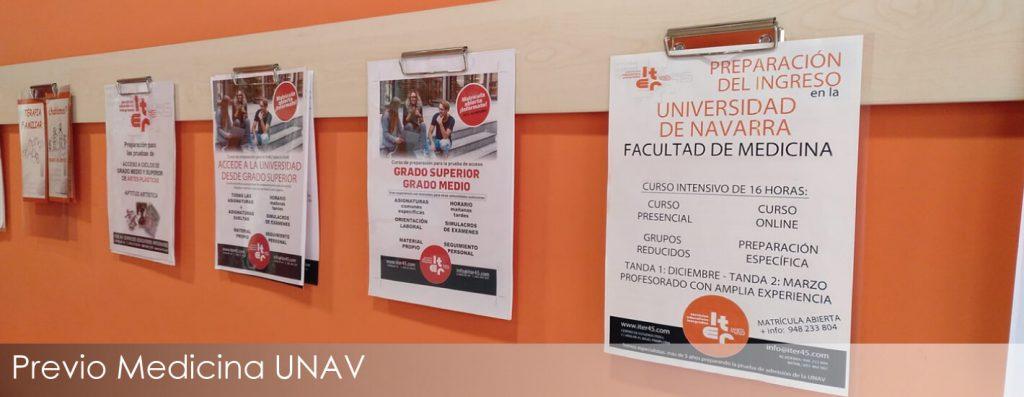 Tablón con el cartel del curso e preparación del examen de ingreo en Medicina de la UNAV